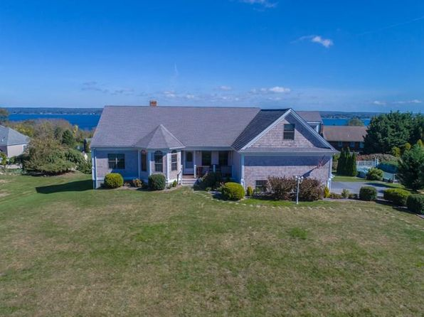 4 bed 3 bath Single Family at 23 Julia Ct Portsmouth, RI, 02871 is for sale at 595k - 1 of 59