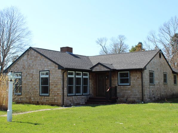2 bed 2 bath Single Family at 47 North Ct Tiverton, RI, 02878 is for sale at 425k - 1 of 39