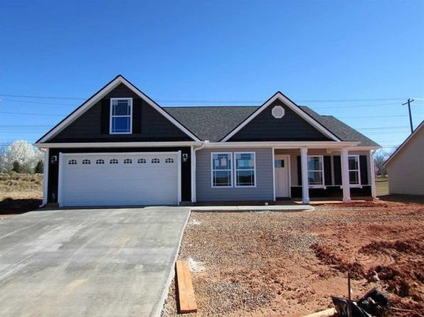 3 bed 2 bath Single Family at 317 Meadowmoor Rd Greer, SC, 29651 is for sale at 205k - google static map