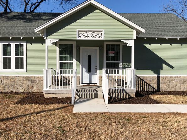 2 bed 2 bath Single Family at 2720 SANDY LN FORT WORTH, TX, 76112 is for sale at 185k - 1 of 34