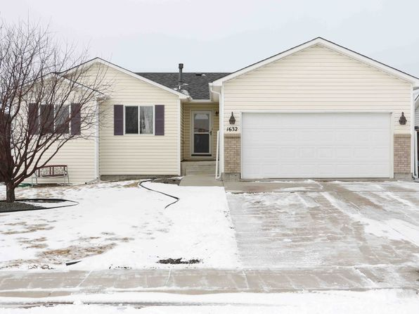 5 bed 3 bath Single Family at 1632 Ragtime Dr Cheyenne, WY, 82007 is for sale at 285k - 1 of 29