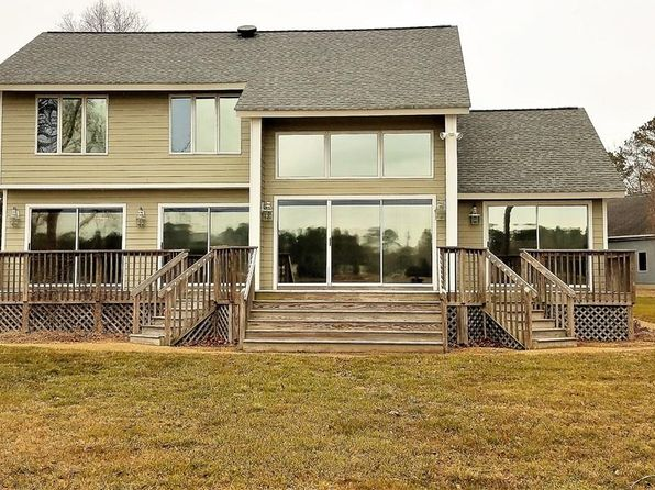 3 bed 3 bath Single Family at 8833 Coles Lndg Gloucester County, VA, 23061 is for sale at 375k - 1 of 24