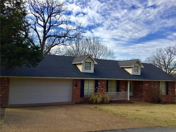 2 bed 3 bath Single Family at 1001 N 9th St Van Buren, AR, 72956 is for sale at 130k - 1 of 30