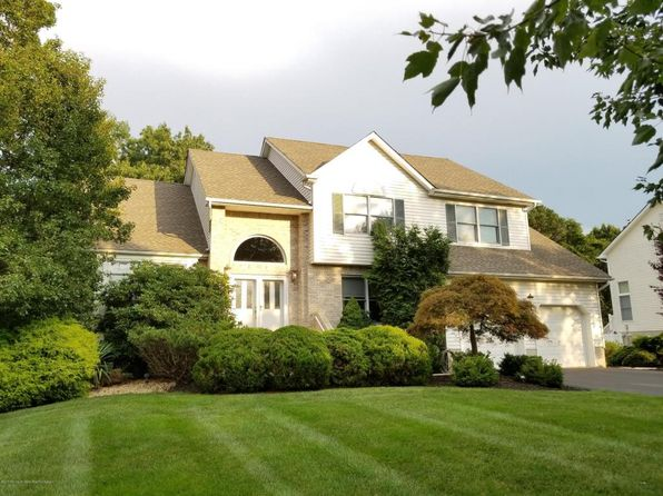 4 bed 3 bath Single Family at 10 Denise Ct Manalapan, NJ, 07726 is for sale at 630k - 1 of 29