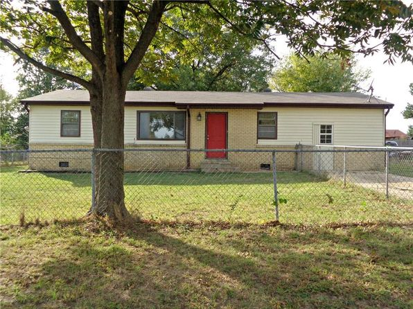 3 bed 1.5 bath Single Family at 1420 N Inglewood St Siloam Springs, AR, 72761 is for sale at 90k - 1 of 24