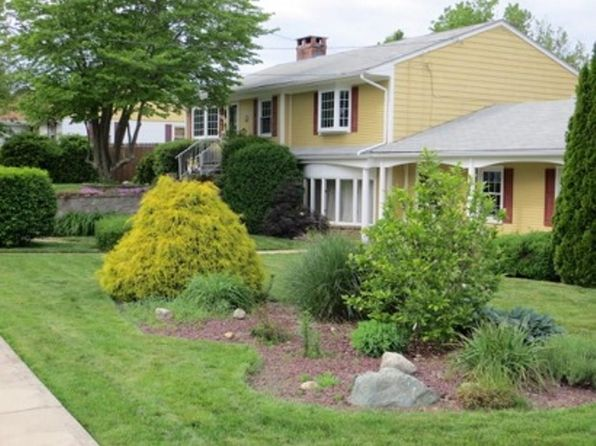4 bed 2 bath Single Family at 15 Beacon St Johnston, RI, 02919 is for sale at 310k - 1 of 29