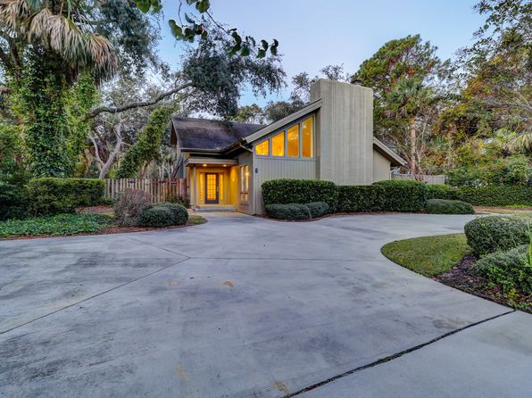 6 bed 4 bath Single Family at 1 HICKORY LN HILTON HEAD ISLAND, SC, 29928 is for sale at 999k - 1 of 63