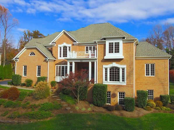 5 bed 5 bath Single Family at 903 Falls Manors Ct Great Falls, VA, 22066 is for sale at 1.50m - 1 of 30