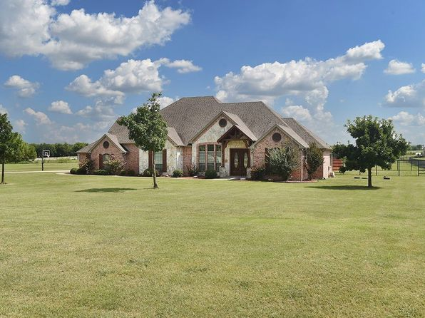 4 bed 5 bath Single Family at 6270 Deer Run Rd Sanger, TX, 76266 is for sale at 485k - 1 of 35