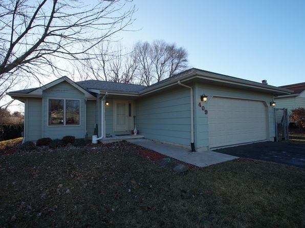 3 bed 2 bath Single Family at 409 Pembroke Rd SW Poplar Grove, IL, 61065 is for sale at 110k - 1 of 11
