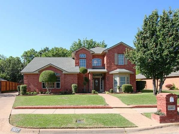 3 bed 3 bath Single Family at 1037 W Redbud Dr Hurst, TX, 76053 is for sale at 280k - 1 of 23