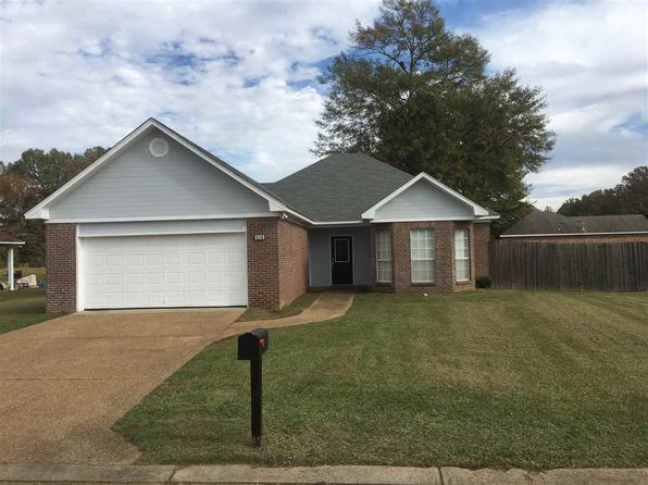 3 bed 2 bath Single Family at 570 Glenwood Cv Jackson, MS, 39272 is for sale at 130k - 1 of 23