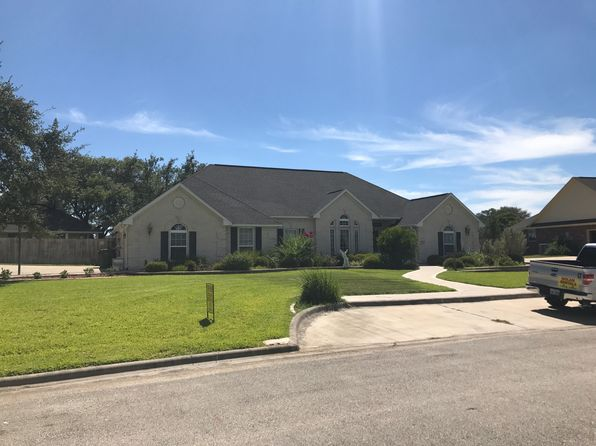 4 bed 3 bath Single Family at 103 Laurel Oak Cir Cuero, TX, 77954 is for sale at 365k - 1 of 14