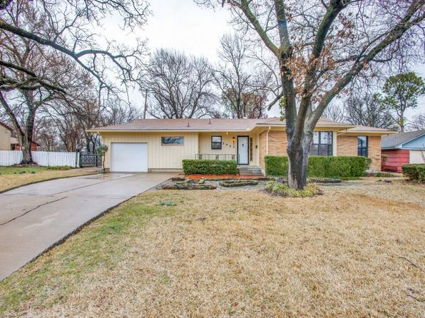 3 bed 2 bath Single Family at 2027 Tierney Rd Fort Worth, TX, 76112 is for sale at 165k - 1 of 12