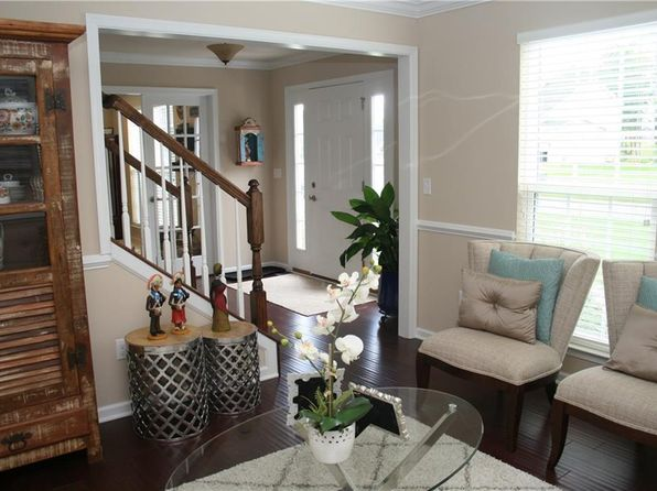 4 bed 3 bath Single Family at 28 Ashlyn Rise Fairport, NY, 14450 is for sale at 320k - 1 of 20