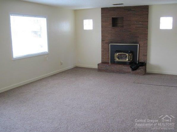 4 bed 1 bath Single Family at 227 NW Dogwood Ave Redmond, OR, 97756 is for sale at 240k - 1 of 9