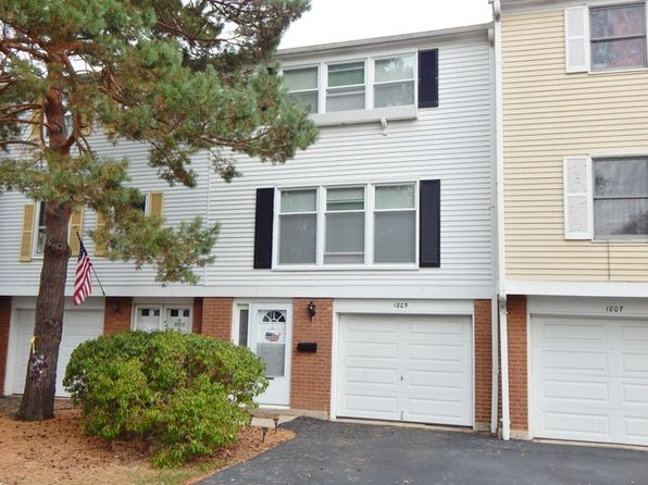 2 bed 2 bath Townhouse at 1805 Lancashire Ct Schaumburg, IL, 60194 is for sale at 180k - 1 of 21