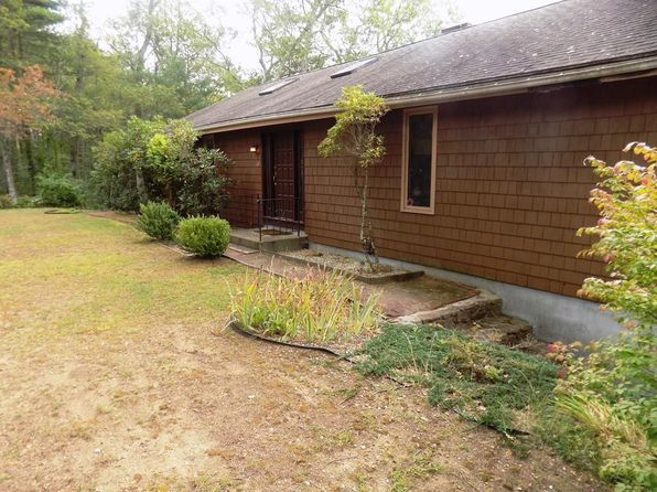 3 bed 2 bath Single Family at 6 Old Acres Rd Holland, MA, 01521 is for sale at 375k - 1 of 28