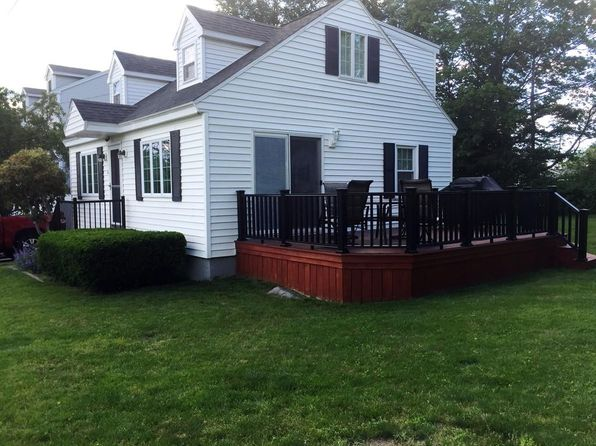 2 bed 2 bath Single Family at 40 Rossi St Methuen, MA, 01844 is for sale at 335k - 1 of 19