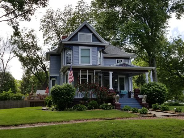 4 bed 2 bath Single Family at 4 S Avenue D Canton, IL, 61520 is for sale at 170k - 1 of 31