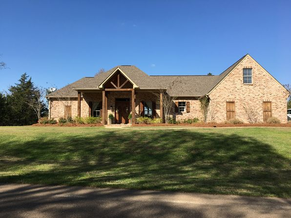 4 bed 4 bath Single Family at 129 Viewpointe Dr Clinton, MS, 39056 is for sale at 390k - 1 of 37