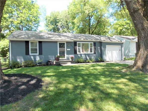 2 bed 1 bath Single Family at 7000 Beverly St Overland Park, KS, 66204 is for sale at 124k - 1 of 14