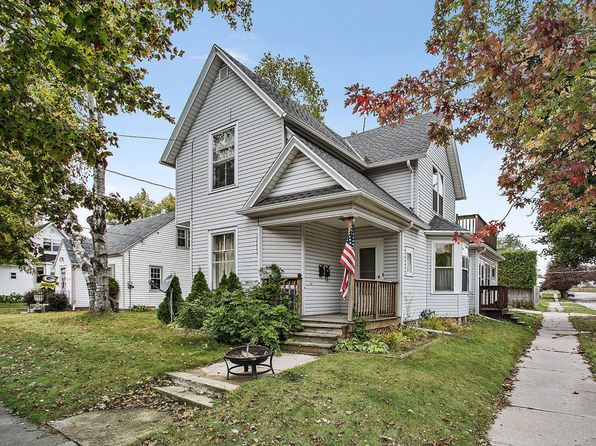 4 bed 2 bath Multi Family at 1102 Green St Manitowoc, WI, 54220 is for sale at 90k - 1 of 12