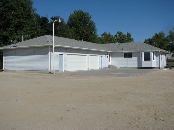 3 bed 2 bath Single Family at 3015 W Idaho Blvd Emmett, ID, 83617 is for sale at 385k - 1 of 33