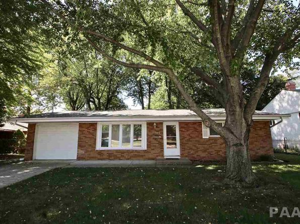3 bed 1 bath Single Family at 1613 Holiday Dr Pekin, IL, 61554 is for sale at 85k - 1 of 25
