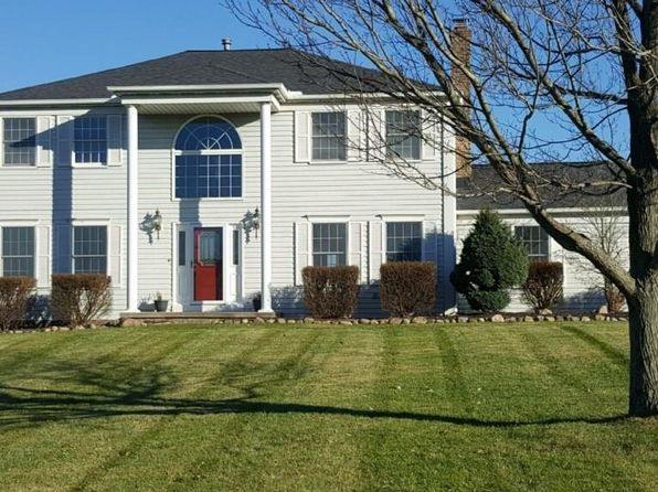 4 bed 3.5 bath Single Family at 51 LAKECREST BLVD HINCKLEY, OH, 44233 is for sale at 329k - 1 of 34