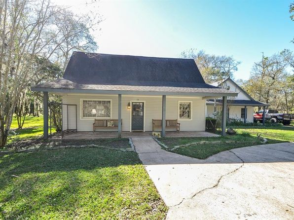 3 bed 3 bath Single Family at 20703 Pecan Bend Rd Damon, TX, 77430 is for sale at 350k - 1 of 31