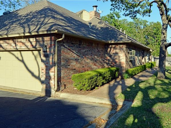 2 bed 2 bath Townhouse at 1204 Woodland Park Dr Hurst, TX, 76053 is for sale at 174k - 1 of 17