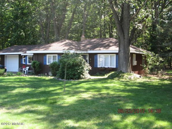 2 bed 1 bath Single Family at 1045 2nd St Pentwater, MI, 49449 is for sale at 128k - 1 of 19