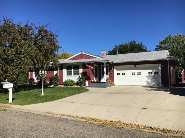 5 bed 3 bath Single Family at 1510 Skyline Dr Jamestown, ND, 58401 is for sale at 260k - 1 of 25