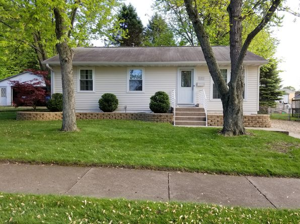 3 bed 1 bath Single Family at 2210 Easter Ave Pekin, IL, 61554 is for sale at 115k - 1 of 34