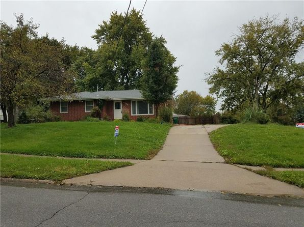 3 bed 2 bath Single Family at 4801 Hillcrest Dr Pleasant Hill, IA, 50327 is for sale at 130k - 1 of 5
