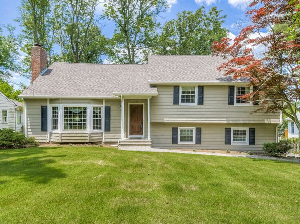 4 bed 3 bath Single Family at 197 White Oak Ridge Rd Short Hills, NJ, 07078 is for sale at 948k - 1 of 31