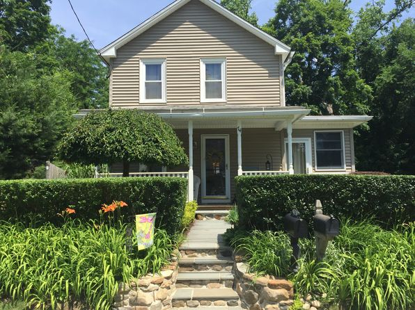 2 bed 1 bath Single Family at 74 Cottage St New Hartford, CT, 06057 is for sale at 154k - 1 of 14