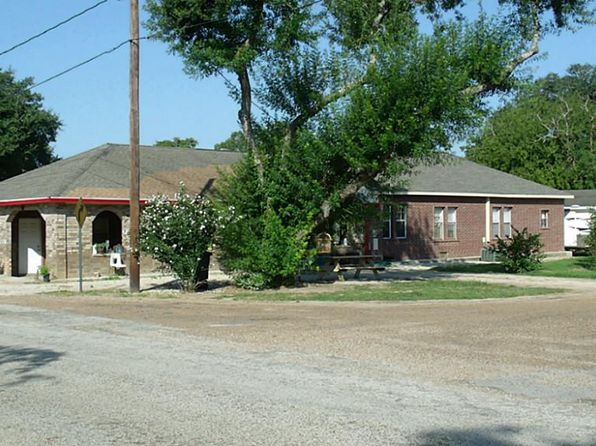 4 bed 2 bath Single Family at 768 Old Alleyton Rd Alleyton, TX, 78935 is for sale at 174k - 1 of 32