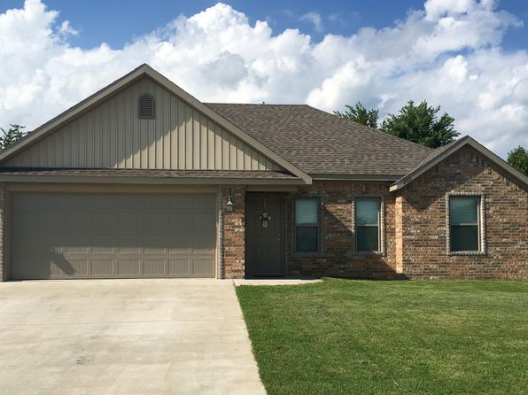 3 bed 2 bath Single Family at 800 Iroquois Dr Prairie Grove, AR, 72753 is for sale at 145k - 1 of 59