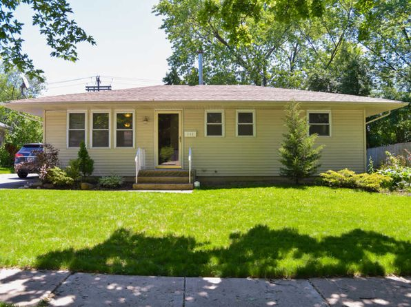 3 bed 2 bath Single Family at 111 Ridge Ln Geneva, IL, 60134 is for sale at 210k - 1 of 9