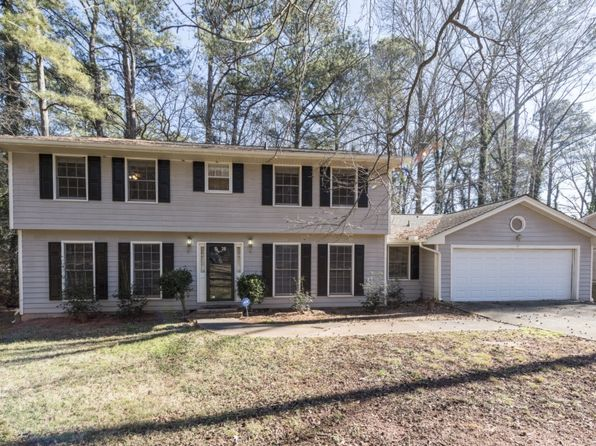 4 bed 2.5 bath Single Family at 1560 Autumn Hurst Trl Stone Mountain, GA, 30088 is for sale at 155k - 1 of 30