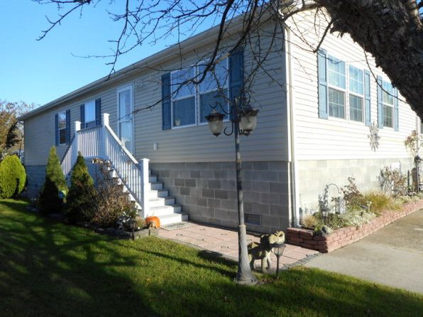 2 bed 2 bath Single Family at 5387 Misty Meadows Dr Chincoteague Island, VA, 23336 is for sale at 187k - 1 of 42