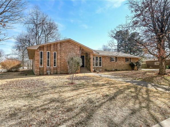 4 bed 3 bath Single Family at 401 HENRYETTA ST SPRINGDALE, AR, 72762 is for sale at 200k - 1 of 19