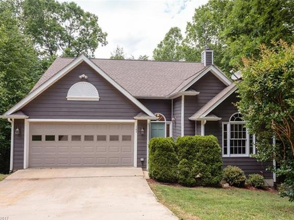 3 bed 3 bath Single Family at 147 Hillside Dr Swannanoa, NC, 28778 is for sale at 299k - 1 of 24