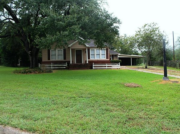 3 bed 2 bath Single Family at 1000 E Hill St Bellville, TX, 77418 is for sale at 120k - 1 of 9