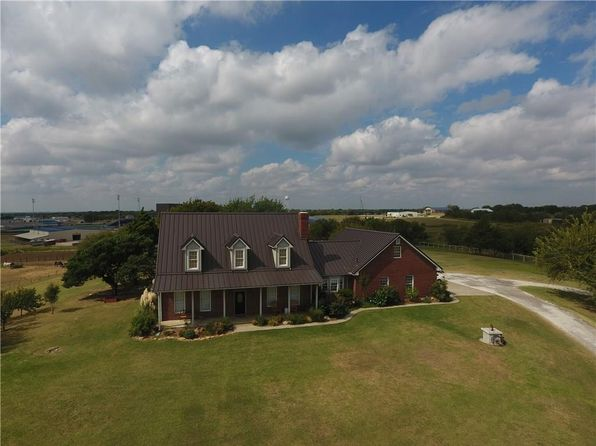 4 bed 5 bath Single Family at 3281 Hopkins Rd Krum, TX, 76249 is for sale at 575k - 1 of 34