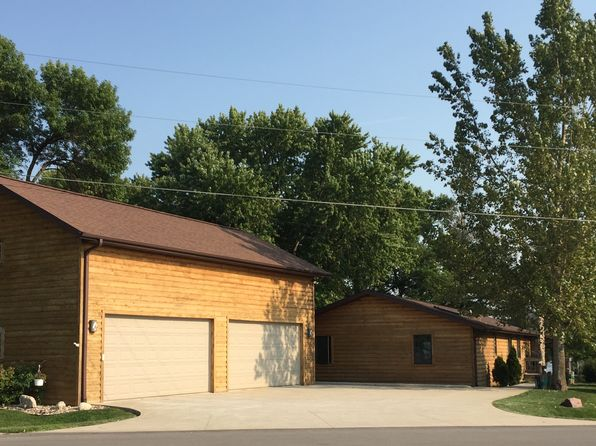 4 bed 3 bath Single Family at 8831 Twin Lakes Rd Manson, IA, 50563 is for sale at 775k - 1 of 30