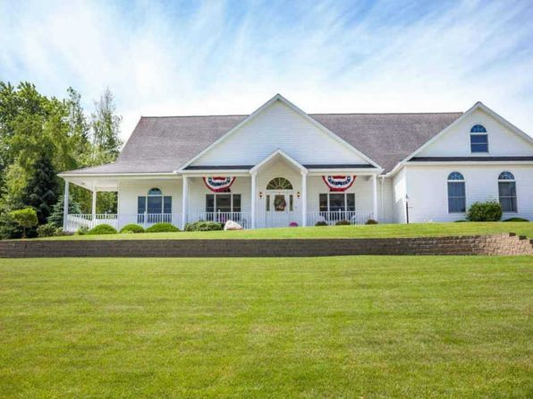 3 bed 3.5 bath Single Family at 703 Harbor Dr Manistee, MI, 49660 is for sale at 400k - 1 of 71