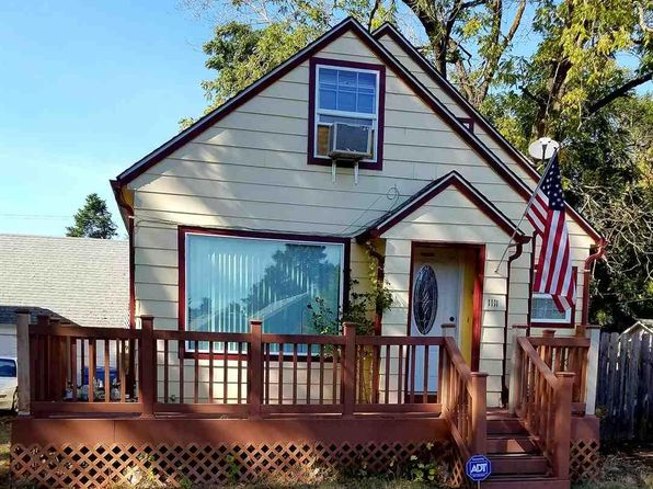 3 bed 2 bath Single Family at 1111 6th St NW Salem, OR, 97304 is for sale at 192k - google static map